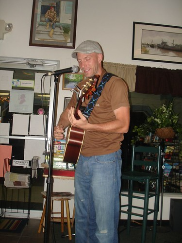 Signer-songwriter-multimusician Dustin Miller