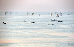 Boats at Sea (kaipukur) Tags: sunset sea sun india black nature water boats peace dream tranquility sober picnik pleasant vizag andhrapradesh rubyphotographer fabbow urvision