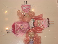 pink haired petites (xpinkxprincess) Tags: pinkhair petiteblythe mademoisellerosebud pinkypoodledoodle denizensofthelake suziesugar miximichi custompetite