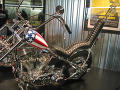 Easy Rider Motorcycle - Harley-Davidson Museum (Al_HikesAZ) Tags: vacation art classic museum wisconsin 510fav movie engine bikes exhibit harley chrome transportation harleydavidson milwaukee frame motorcycle easy hog davidson rider captainamerica wi hogs choppers panhead peterfonda hardtail easyrider dennishopper apehangers menomoneeriver harleydavidsonmotorcycle menomoneevalley alhikesaz easyridermotorcycle