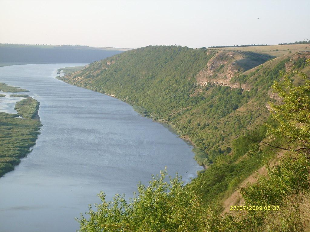 на пути к монастырю по правому берегу Днестра