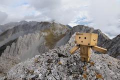 Dieter @ Hafelekar Innsbruck Austria (Toni_V) Tags: sky mountains alps nature clouds landscape toy austria tirol amazon hiking alpen dieter 2009 tyrol innsbruck nordkette karwendel randonnée d300 sigma1020mm danbo hafelekar karwendelgebirge ebaycom capturenx toniv dsc3981 nordkettenbahn danboard lesamisdupetitprince 091010