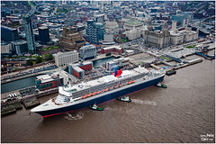 Queen Mary 2 in Liverpool (petecarr) Tags: liverpool qm2 queenmary2