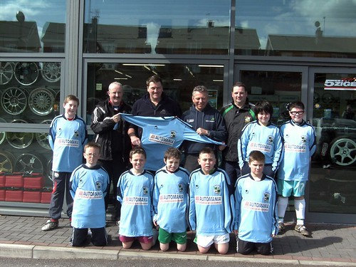Members of U12A Schoolboys squad and management with Automania