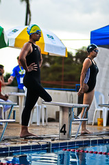 20091113_SC_1688 (Saulo Cruz) Tags: girl beautiful swimming leg artificial suit natao bonita swimmer disabled bathing athlete swimsuit menina prosthesis maillot perna amputee paralympics atleta nadadora mecnica paralympic enap specialperson mai amputada pessoaespecial prtese paraolmpico paraolmpicos pessoacomdeficncia portadordenecessidadeespecial bearerofspecialneed paraolimpadasescolares camillecruz