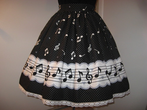 Music Note Border Skirt 004