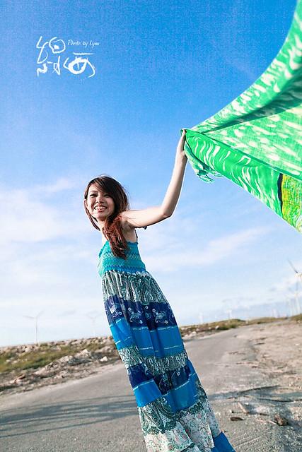06/19 (小小) 彰濱比基尼外拍