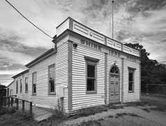 Glenlyon Shire Hall (phunnyfotos) Tags: phunnyfotos australia victoria vic glenlyon hall weatherboard timber facade architecture building arch writing lettering typography text font 1890 publichall shirehall nikon d750 nikond750 pano panorama countrytown rural mono bw monotone flagpole