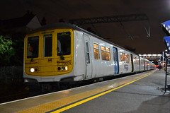 Thameslink 319009 (Will Swain) Tags: 2nd february 2017 train trains rail railway railways transport travel uk britain vehicle vehicles country england english greater london capital city south east tl tsgn goahead group cricklewood station thameslink 319009 class 319 9