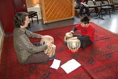 Wereldmuziek (SKVR) Tags: kinderen muziek muziekschool tabla jongeren saz medewerkers lessen volwassen wereldmuziek wmdc samenspelen anitayongapoi 20090020