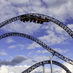 rollercoaster (Prarne) Tags: light summer people clouds silver square waves upsidedown air bluesky rollercoaster tusenfryd speedmonster