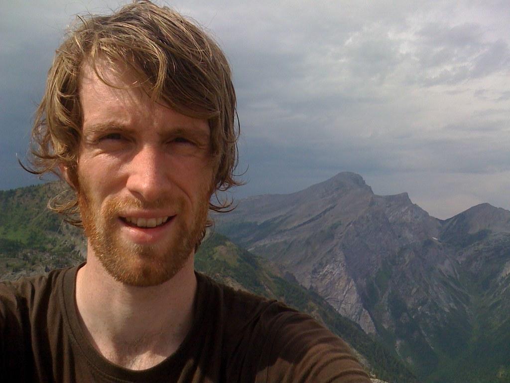 På toppen av Mount Fernie (2210 m)