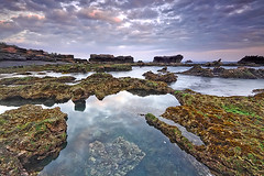 I wanna ... (tropicaLiving - Jessy Eykendorp) Tags: light sunset sea sky bali seascape beach nature water silhouette clouds indonesia landscape coast rocks shoreline tanahlot iwanna canggu efs1022mmf3545usm outdoorphotography canoneos50d bwcpl tropicaliving hitechfilters vosplusbellesphotos mengeningbeach rawproccessedwithdigitalphotopro tiffproccessedwithadobephotoshopcs3 hitechfilterndgrad