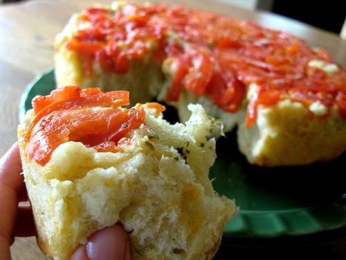 tomato basil roll