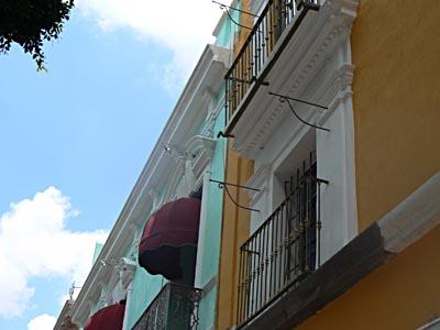 maisons colorées à Puebla.jpg