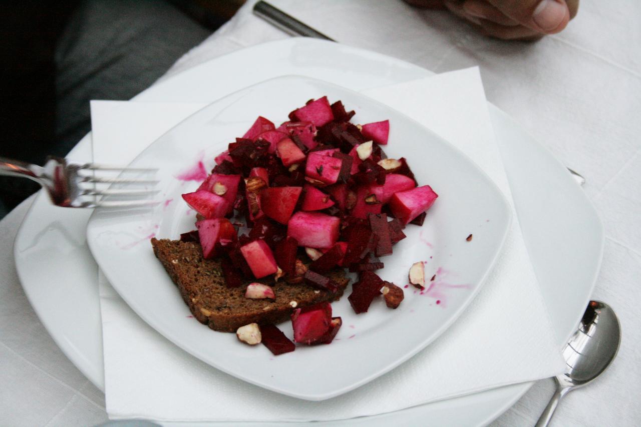 rødbede-æblesalat