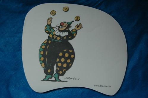 Mouse Pad brinde da DPZ com ilustração de Milton Gleiser