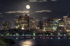 [フリー画像] [人工風景] [建造物/建築物] [街の風景] [夜景] [月の風景] [ビルディング] [アメリカ風景] [ボストン]   [フリー素材]