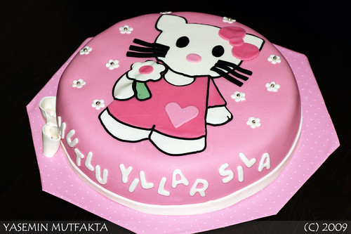 Hello Kitty Pastasi / Hello Kitty Cake