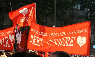 Una pancarta de DAV Cataluña, en catalán