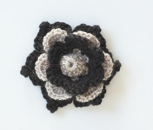 Fleur noir et lamé