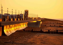 The Golden Hour (saxonfenken) Tags: sunset beach motif golden infinity norfolk esplanade promenade superhero lamps thumbsup vanishing goldenhour hunstanton groynes 226 bigmomma friendlychallenges pregamesweepwinner 226sun
