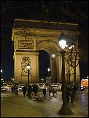 par09014 (jackduvr) Tags: paris night lights illumination arcdetriomphe 2009 champslyses lx3 wwwjduvergercom wwwduvrgcom grouplx3 groupparis