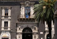 Catania, Piazza Stesicoro, Palazzo Tezzano (HEN-Magonza) Tags: italien italy italia sicily baroque barock palast catania sicilia piazzastesicoro sizilien palazzotezzano tezzanopalace