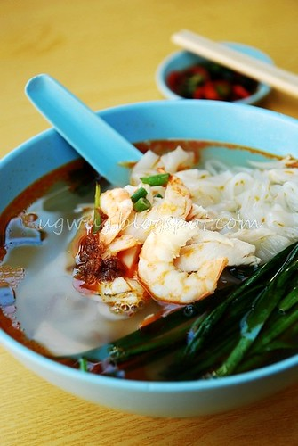 Shredded Chicken & Prawn Flat Noodles