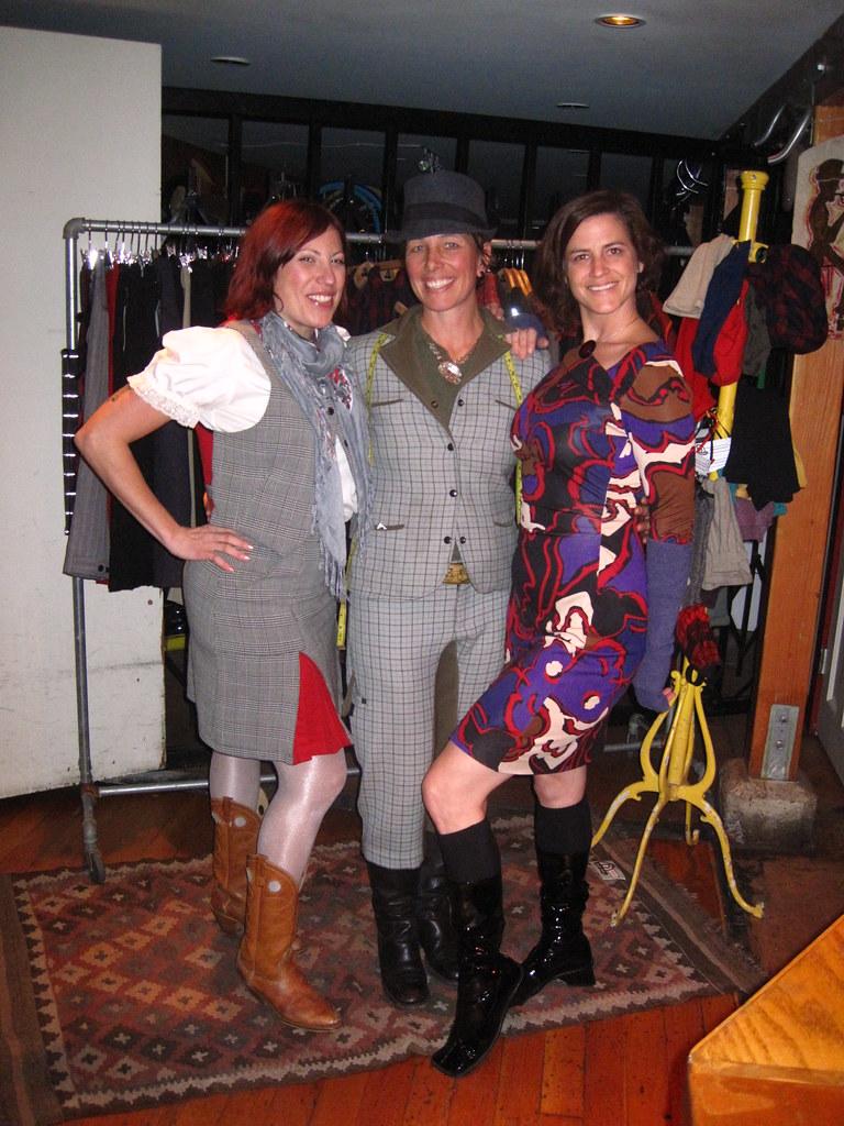 Gwen, Nan y KT