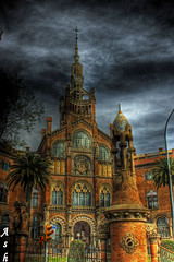BARCELONA, Hospital de la Santa Creu i Sant Pau (Asi75er) Tags: barcelona city travel clouds photoshop canon hospital eos elements nubes catalunya hdr catalua santpau photoshopelements ciudadcondal 400d canoneos400d