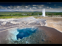 Geysir (orvaratli) Tags: travel hot water landscape iceland warm south cave hotspring geothermal geysir eruption icelandic haukadalur arcticphoto rvaratli orvaratli