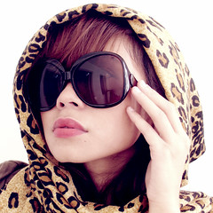 215/365 - It Could Have Been a Brilliant Career (Helga Weber) Tags: scarf shades leopardprint helga fashionista ff sunnies project365 365days helgaweber filipinaflickrites