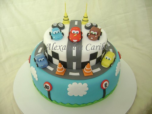 Bolo Carros Relâmpago McQueen - Cars cake ( Lightning Mc Queen ...