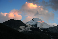 Allalinhorn, Saas Fee, Sunset (Jim_Higham) Tags: sunset summer snow mountains alps cold nature switzerland europe skiing eu glacier alpine don peaks sees rugged fee mischabel allalinhorn allalin