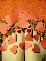 24/143 - Love Project  (Carolina N.) Tags: love foot heart amor vermelho corao ps liebe loveproject carolinanunes