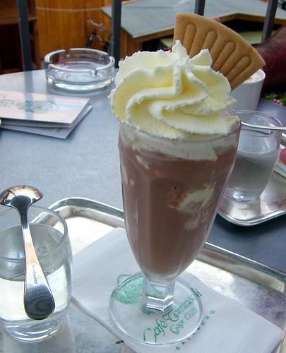 eisschokolade c/o Cake Gumshoe Megan