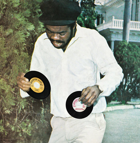 Jah Thomas - Jump Around & Dance Pon The Corner