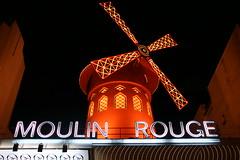 2009-11-22-PARIS-Pigalle12-MoulinRouge3