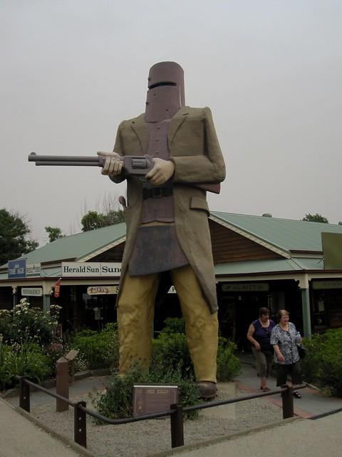 Melbourne-Sydney 01 - Ned Kelly statue at Glenrowan by Ben Beiske
