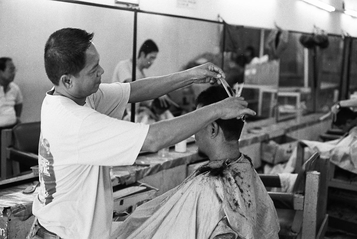 说我像日本老的理发师