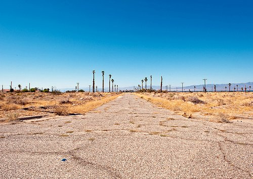 Salton City (by: Anthony Citrano, creative commons license)