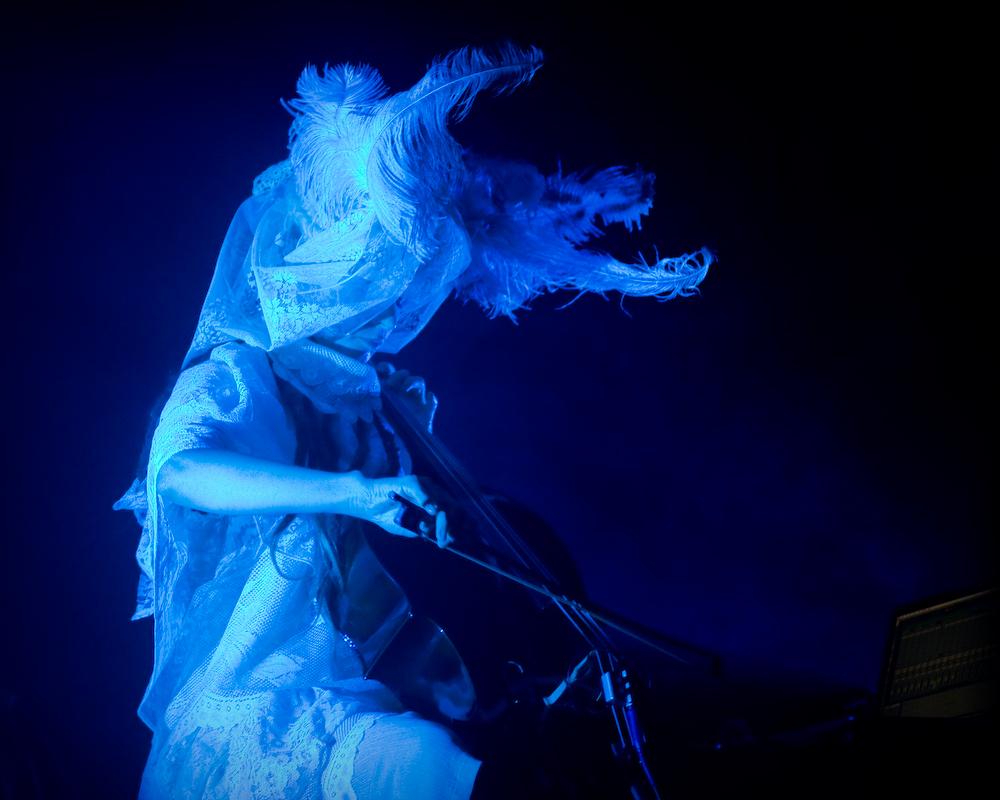 Hildur Guðnadóttir (Paradiso, Amsterdam 03-12-2009)