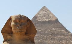 La Gran Esfinge de Giza y Pirmide de Kefrn (rsaezn) Tags: sphinx pyramid esfinge egypt egipto piramides giza piramide gizapyramids  piramidesdegiza thegreatsphinxofgiza