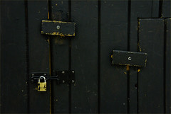 "2014_365062 - Locked • <a style=""font-size:0.8em;"" href=""http://www.flickr.com/photos/84668659@N00/12967026753/"" target=""_blank"">View on Flickr</a>"