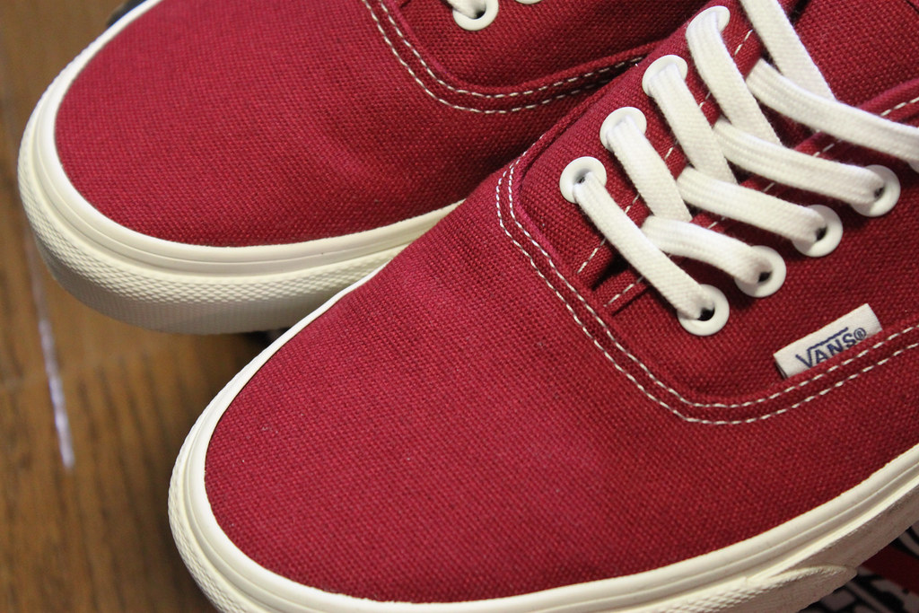 62a2bce44e8f5b IMG 4902 (uki cafe) Tags  red vintage shoes sneaker vans authentic  offthewall
