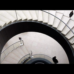 Cos lontano, cos vicino / So far, so near (Isco72) Tags: boy woman man paris france girl museum louvre muse stairway panasonic scala museo curve escher francia ragazza parigi ragazzo curva musedulouvre scalini fz18 dmcfz18 awardflickrbest isco72 phvalue photographia francescopallante themonalisasmile