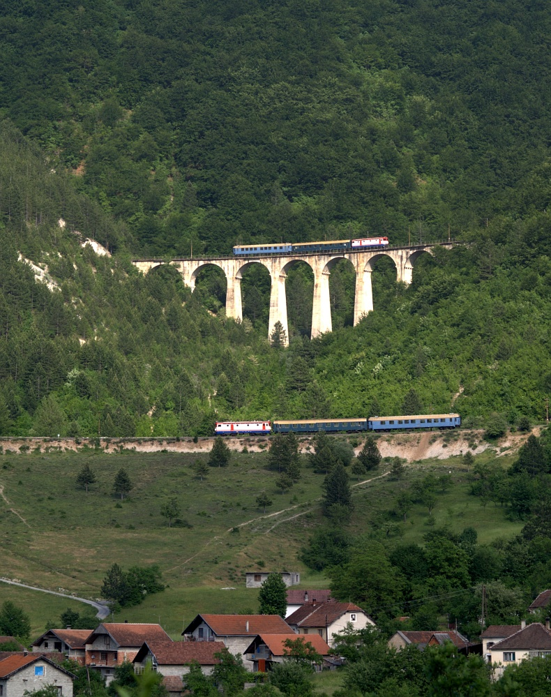 One train twice
