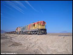 Por el desierto (Pablo Alberto) Tags: train tren railway locomotora mejillones antofagasta emd fcab ferrocaril gr12
