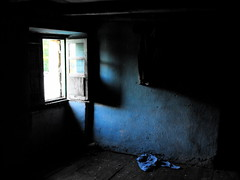 blue interior 2 (blopsmen) Tags: blue azul backlight rural interior explore galiza abandonment abandono absence courel caurel cruzadas
